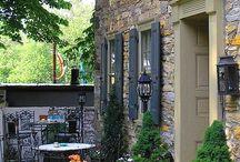 Terasy a verandy