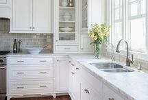 Decorating/Remodeling / White kitchen w/wood floors-beautiful