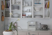 Kitchens / by Betsy Speert