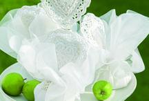 Nozze White | Cupido&Company / Cupido&Company propone una linea bianca come proposta per un matrimonio elegante e raffinato - i materiali sono il pizzo, il metallo e le trasparenze del vetro