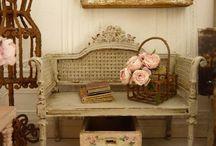 Miniatures: Mixed furniture