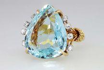 jewelry. ..jewwwwry / by Mayra Gutierrez