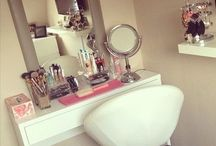 Organization - Makeup and Vanity