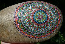 Kameny (mandaly a jiné malování)