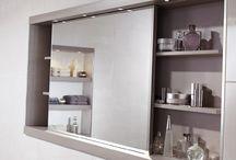 szafki z lustrem i lustro