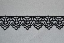 Trimmings / Lace, buttons, bibs and bobs