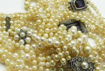 Diamonds and Diamante, Paste and Pearls / Diamonds and Diamante, Paste and Pearls beautiful vintage and antique jewellery in shades of white