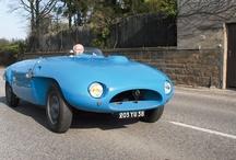 Belles carrosseries et créations Roger Tunesi / Roger Tunesi est un grand carrossier franco-suisse des années 50. Créateur de voitures sur chassis Bugatti ou Peugeot pour les concours d'élégance ou les 24 heures du Mans où sa voiture termine 6e en 1955. Les carrosseries éblouissantes sont rares de nos jours...