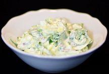 SAŁATKI Z CZOSNKIEM NIEDŹWIEDZIM / http://tipy.interia.pl/artykul_16181,jak-zrobic-salatke-z-czosnku-niedzwiedziego-ogorka-i-jajka.html