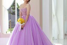 Color Dress/カラードレス / シンデレラ&Co.オリジナルの新作カラードレスや人気ウェディングドレスのご紹介。シンプルでふんわりとエアリーなデザインや大人のシックな愛らしさをコンセプトにしたデザイン。