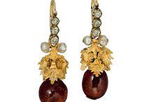 Regency earrings (photo)