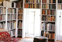Bookshelves love / by Niki Costantini