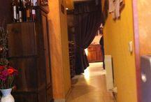 Escuela de Cocina / Terra d'Escudella es una Escuela de cocina y pastelería ubicada en Barcelona de carácter privado, dedicada a la formación y/o reciclaje de profesionales o futuros profesionales de la Hostelería. Crear una Escuela de Cocina y Pasteleria, con la pretensión de lograr algo más que enseñar recetas, es tal y como creemos, una tarea muy ambiciosa.