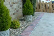 Edgings / We offer many different types of edging products; including brick edging, rope edging, chamfer edging, and much more. The items in our stone edging collection will finish off the design of your garden in style, adding a unique identity to your outdoor space. We offer incredible value, without compromising on quality - ensuring that your garden design is both durable and attractive.