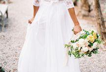 Wedding Dresses / by Jessica Diaz