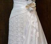 Bröllop och balklänningar / Skräddade klänningar till fest och bröllop