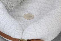 Filibabba / Peter Holst er Designeren bak det danske merket Filibabba. Produktene henter inspirasjon fra hverdagens lekenhet og minner fra barndommen. Filibabba lager baby/barne-interiørprodukter av høy kvalitet. Flere av disse nydelige babyproduktene kan du finne i vår nettbutikk www.growingup.no