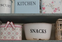 The Orchard: Shelf Decor: Shabby Chic Vintage
