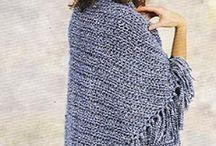 Easy triangular prayer shawl