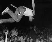 stagedive, keep the music alive!!!
