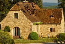 French Life Style, traditional house in Sarlat - Métairie / The interior decoration is classy and the various pieces of furniture found in the regions' antique shops.