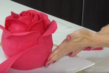 Rose cakes, cupcakes and cookies