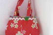 Kindertaschen / Fi-Ma-KiS Kindergartentaschen sind vollständig in meiner kleine Nähstube entstanden, also keine vorgefertigten Taschen die durch Applikationen aufgehübscht wurden.  Für alle meine Taschen nutze ich beste Stoffe, für Kindertaschen nur reine Baumwolle