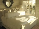 Bedroom / by Debbie Simril Interiors