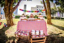 Festa Picnic da Clara / Compartilho aqui as imagens do picnic que organizei pra comemorar os três anos da minha menininha. Uma festa feita na praça, tranquila e divertida, como todo picnic deve ser! ;)