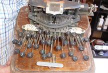 Antigüedades en MC / Muchos de nuestros expositores nos ofrecen piezas únicas, verdaderas antigüedades. Grandes y pequeños tesoros que podemos conseguir después de negociar un buen precio,