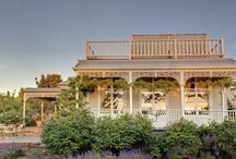 Luxurious Escapes / This luxurious accommodation will please even the pickiest of aesthetes.