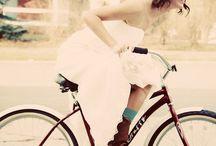 Brides on Bikes / Novias en Bicicleta