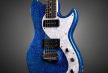 Gitárok-Guitars