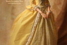 Dolls in historical dresses