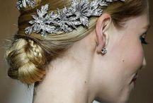 accessories / all important finishing touches for the bride