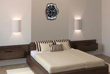 Une horloge de collection / Vous avez une collection de montres ou aimez juste un certain modèle. Alors transformez votre montre en horloge murale unique. Faites imprimer l'image de votre montre sur un support rigide en haute qualité. Achetez le mécanisme et les aiguilles adaptées dans une boutique spécialisée ou directement en ligne, un petit trou dans votre tableau et vous aurez fabriqué l'horloge de vos rêves. Vous pouvez aussi créer votre visuel et l'utiliser en horloge personnalisée !