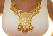 Jewellery: Alexis Kirk