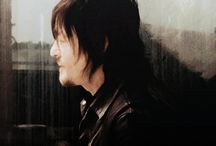 B.Daryl Dixon-gifs