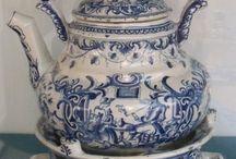 Delft blue teapots