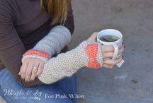 knitting / by Lisa Buss