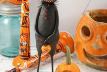 Halloween / Halloween dolls, illustrations. Pumpkins, jack-o-lanterns, scarecrows, zombies, vampires