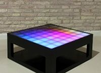 Table basse interactive avec des lumieres led.