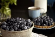 Food : My soul for blueberries ! / I am a fresh blueberry addict.
