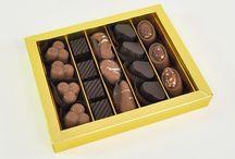 Çikolata / http://www.haciserif.com.tr/cikolatalar/spesiyal-cikolatalar/  Hindistan Cevizli Truf Çikolata, Bitter Truf Çikolata, Sütlü Truf Çikolata, Frambuazlı Truf Çikolata   Hacı Şerif Çikolata Çeşitleri ile hizmetinizdedir. Çikolatalar Kendi İmalatımızdır.