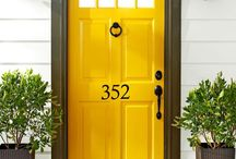 Front Door Makeover / Great ideas for giving your home a fresh look!