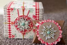 Christmas - Gift Wrapping and Gift Toppers