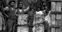 """Ara Pacis Augustae / """"Quando tornai a Roma dalla Gallia e dalla Spagna, sotto il consolato di Tiberio Nerone e Publio Quintilio, portate felicemente a termine le imprese in quelle province, il Senato decretò che si dovesse consacrare un'ara alla Pace augustea nel Campo Marzio e ordinò che in essa i magistrati, i sacerdoti e le vergini vestali celebrassero ogni anno un sacrificio. Augusto. #InvasioniDigitali il 24 aprile alle ore 17.30 Invasori: Barbara Marcotulli e Massimiliano Cammuso"""