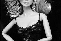 Fashion dolls/Barbie
