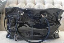 Fashion accessories  / Scarves, handbags, shoes.. Etc