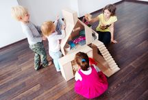 Kids playing Boomini / According to a psychologist, playing with dollhouses is a creative activity which involves intellect, imagination and emotions. Due to the fact that playing takes place in an arranged space, it won't get boring that quickly. A child can play alone, with peers or with adults. By putting a child into a certain role, dollhouses help to express feelings and emotions which may remain hidden outside of playing.